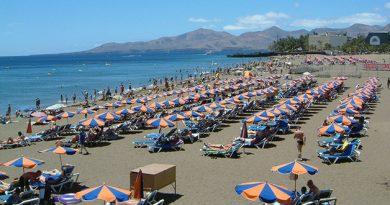 Tías – beaches and entertainment