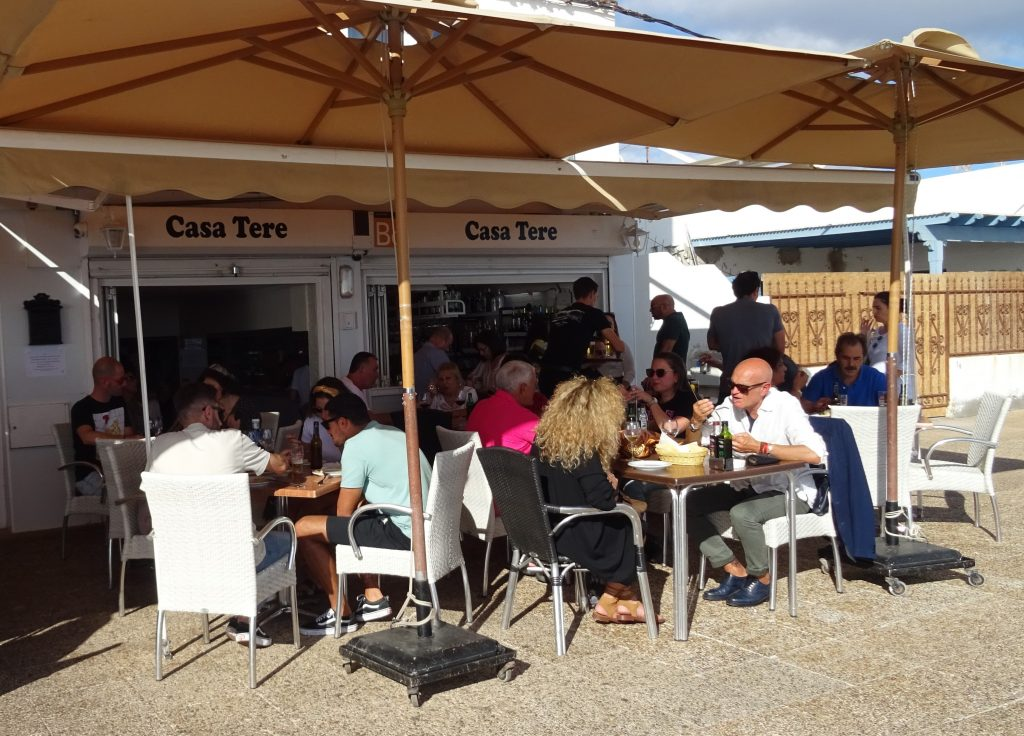 Restaurants in Playa Honda: Casa Tere
