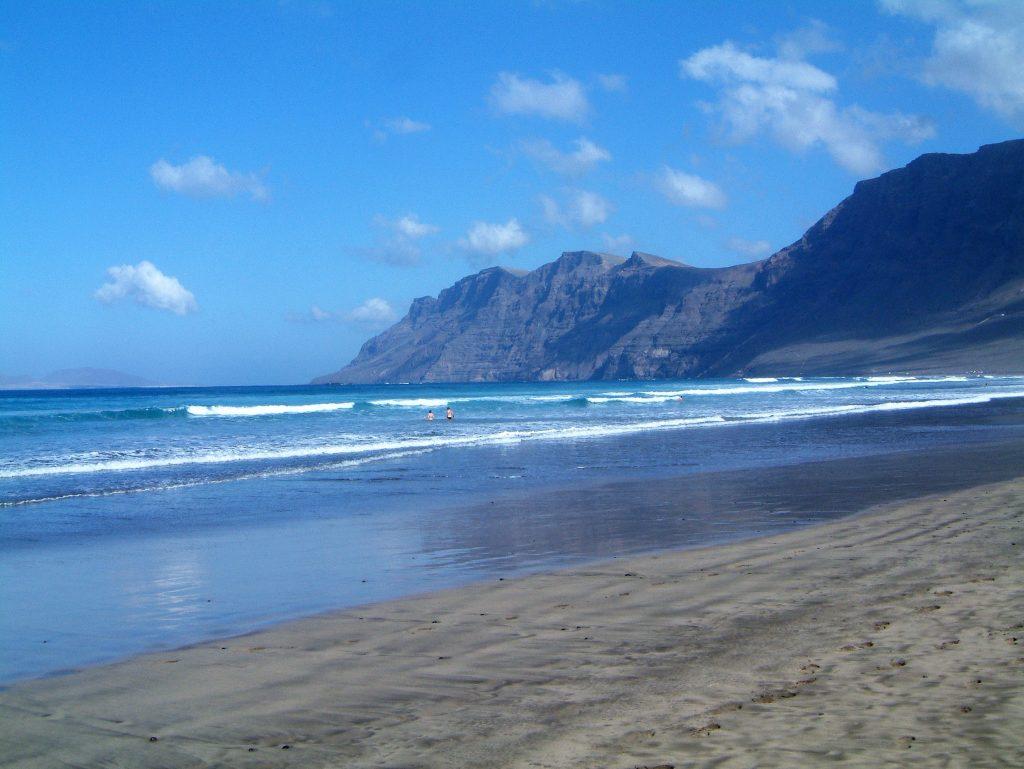 Insel Highlights: Famara Strand Lanzarote