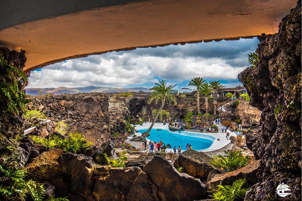 Busausflug Lanzarote zum Jameos del Agua