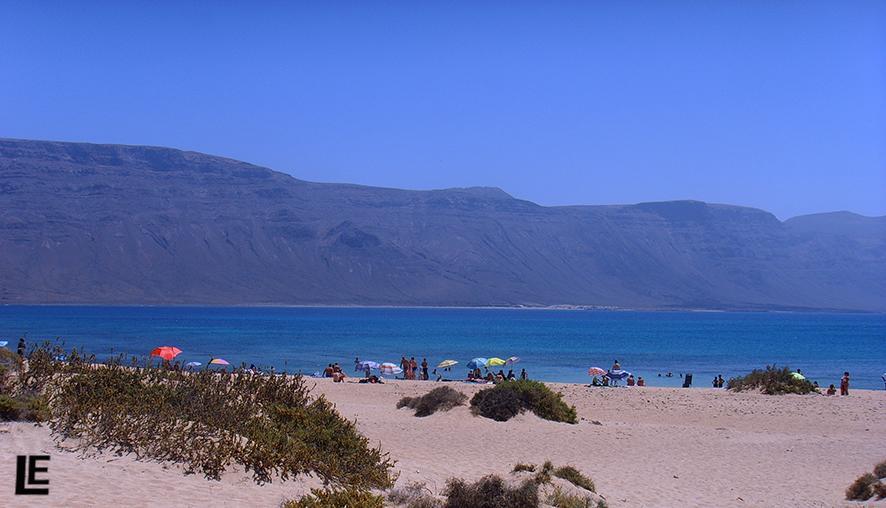 Zelten direkt am Strand von La Graciosa